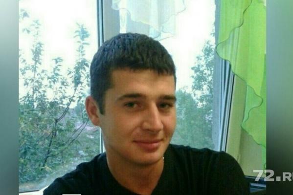 Виталию Мишину было 24 года. Он работал в стройфирме мастером
