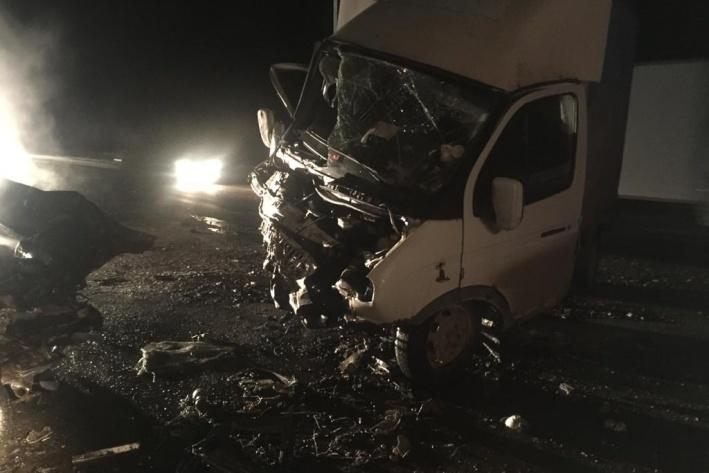 Водитель грузовика в аварии отделался травмами