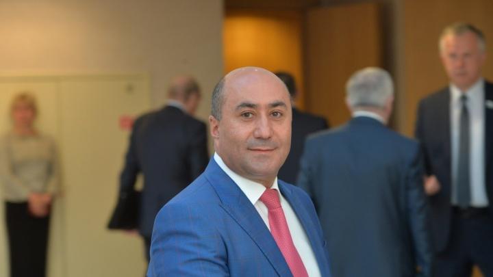 «Что творится здесь, это беспредел!»: Армена Карапетяна лишили полномочий депутата