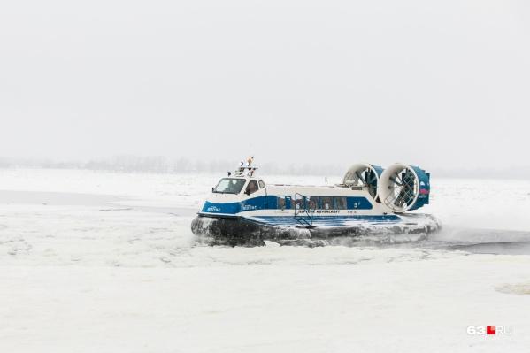 Тающий лед забивает винты судов на воздушной подушке