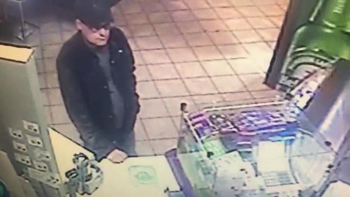 Вглядитесь в это лицо: в Октябрьском разыскивают мужчину, который домогался школьницы