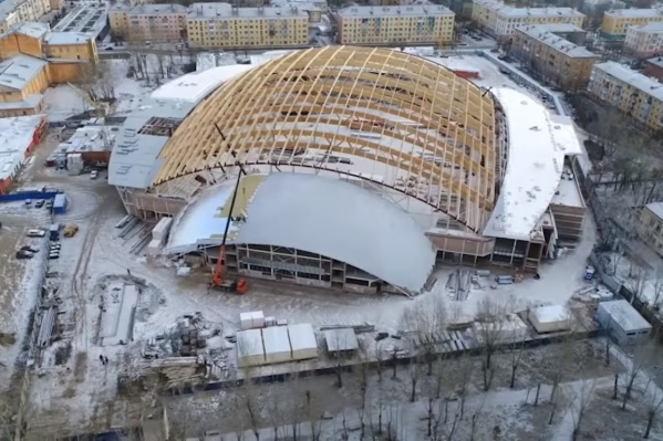 Строители с высоты птичьего полёта показали, как протекает строительство нового стадиона
