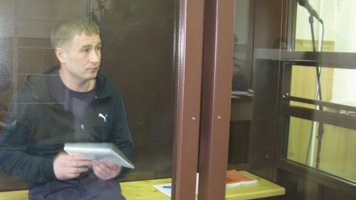 В Перми осудили мужчину, представлявшегося сотрудником ФСБ и вымогавшего деньги за «решение» проблем