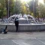 «Стоял заброшенным последние 30 лет»: в сквере на Мехзаводе восстановили фонтан