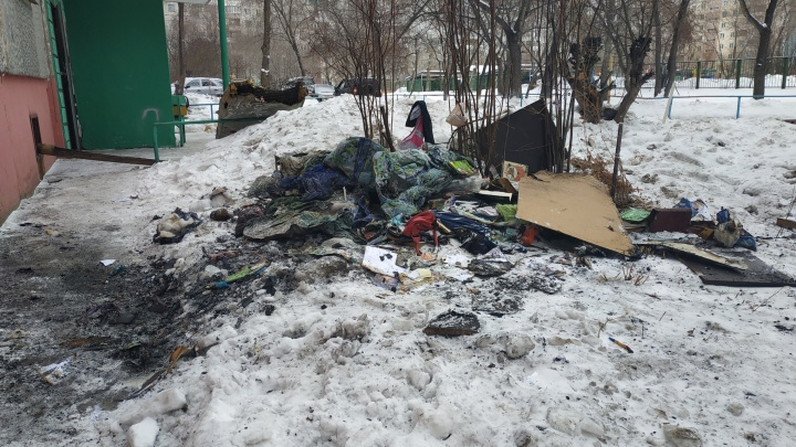 Ночной пожар с двумя погибшими в Омске: что рассказали соседи?