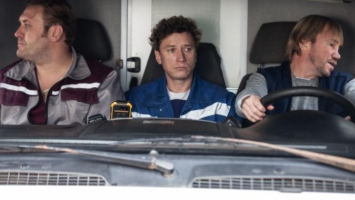 «Спас жизнь — получил выговор»: смотрим фильм «Аритмия» с сотрудником скорой помощи