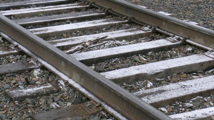 Под Ачинском ночью с рельсов сошел грузовой поезд