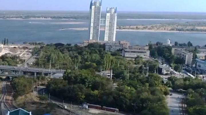 Вырубка деревьев, проезды и площадки: в Волгограде на склон реки Царицы потратят 142 млн рублей