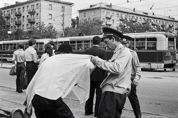В советское время отдыхать на улице не допускалось — в конце концов, это разлагает обстановку