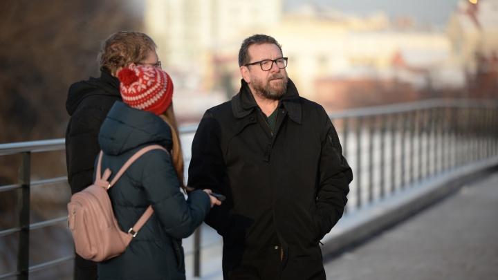 Как архитектура влияет на самочувствие: показываем Екатеринбург канадскому профессору психологии
