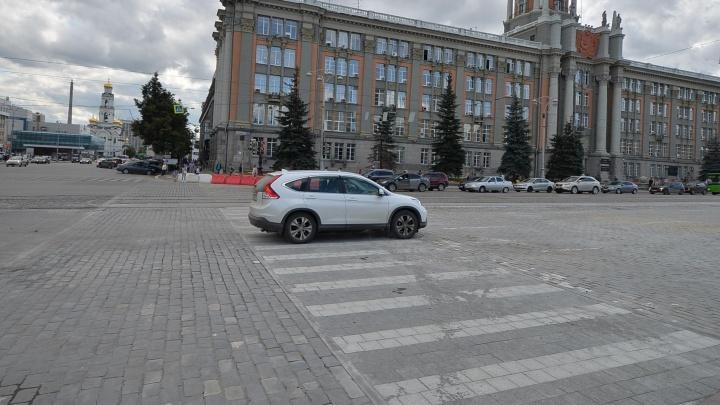 """""""Сломанные каблуки в прошлом"""": на проспекте Ленина сделали плоский пешеходник"""