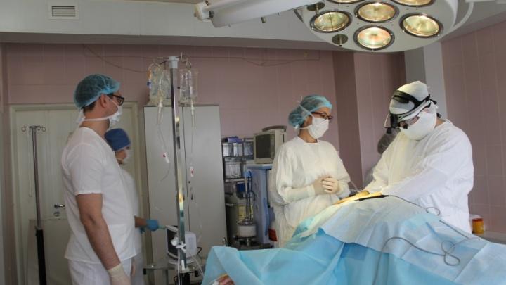 Оперировали девять часов: челябинские хирурги спасли мужчину с расслоившейся аортой