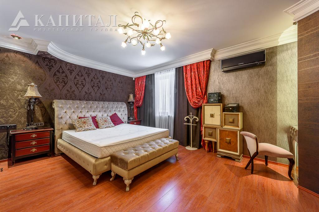 Та же спальня, только с другого ракурса