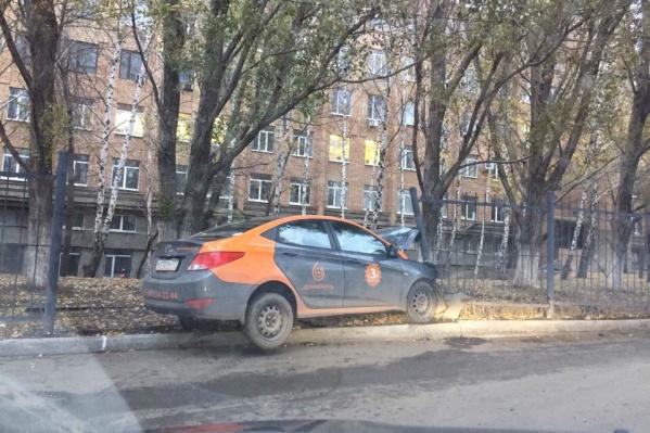 Водитель «припарковал» транспорт не по правилам