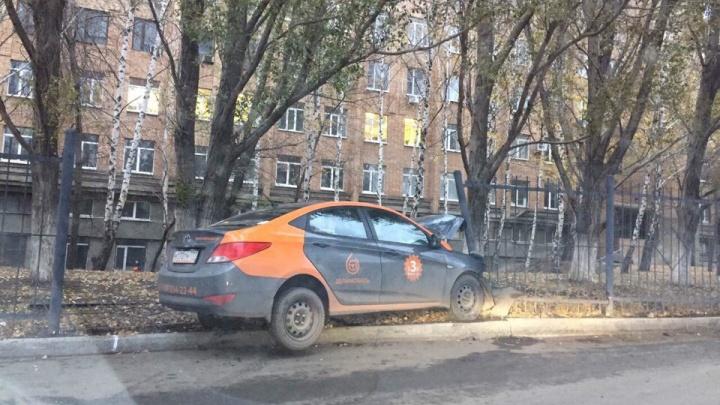 Аварийный каршеринг: в Самаре автомобилист разбил и бросил машину, которую взял напрокат