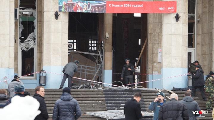 «У меня кость вырвало, а я бегал, своих детей искал»: пять лет назад был взорван вокзал Волгограда