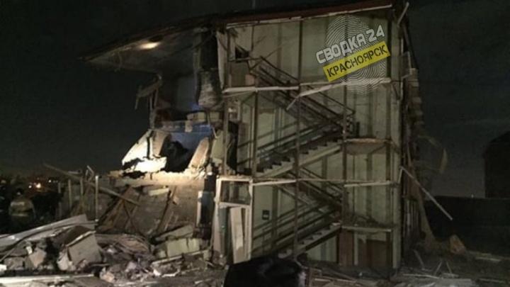 В жилом доме в Красноярске взорвался газ, произошло обрушение