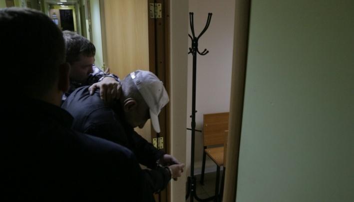 Челябинца, задержанного по подозрению в нападении на женщину в лифте, выпустили на свободу