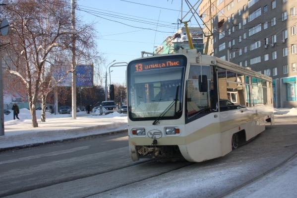 """Трамваи модели 71-619К сейчас ходят по маршруту <nobr class=""""_"""">№&nbsp;13</nobr><br>"""