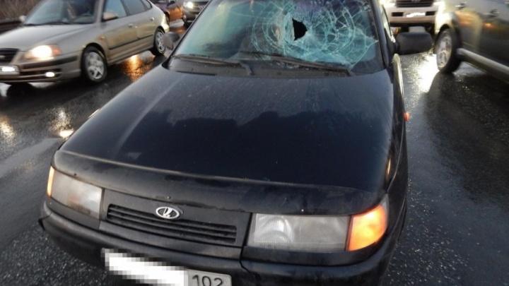 Пенсионерка из Уфы поленилась дойти до светофора и попала под машину