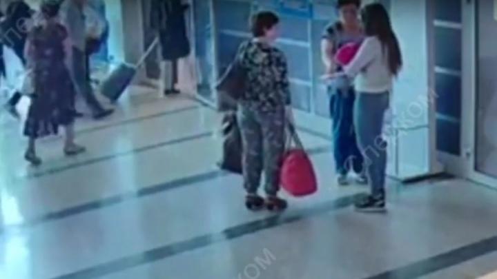 Документы из метро и три тысячи на подгузники: новые подробности о деле омской «кукушки»