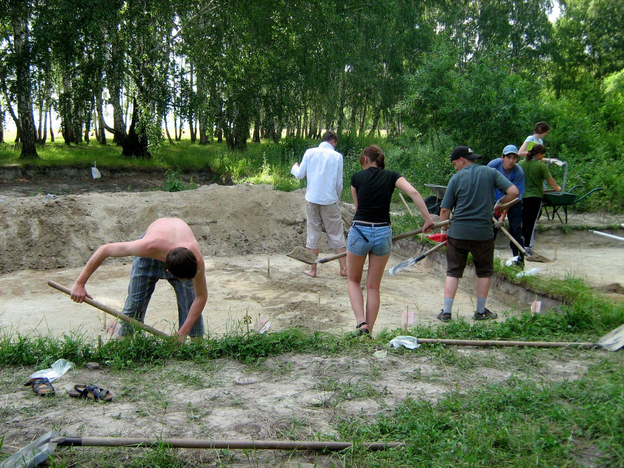 Археологи в Венгеровском районе