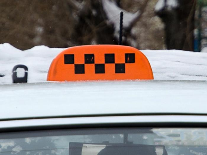 Таксист обвинил пассажиров в преступлении, которого не было