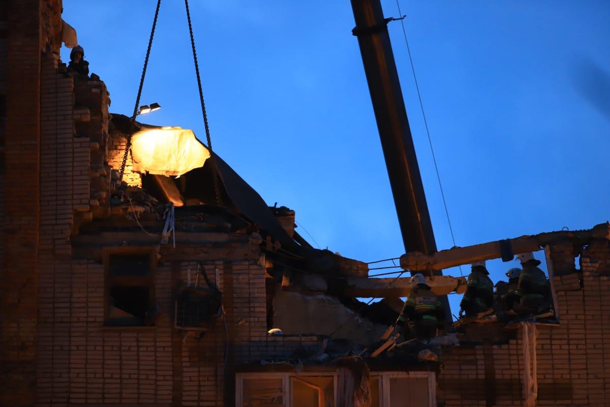 Взрыв разрушил четыре квартиры на восьмом и девятом этажах