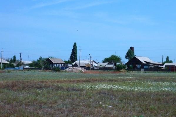 Четверо депутатов трудились в селе Иловатка Старополтавского района