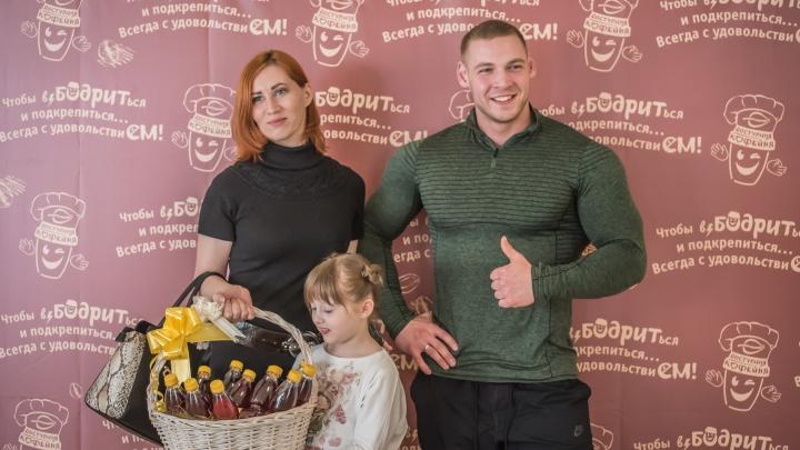 Чемпион по бодибилдингу из Петербурга вдохновил популярную сеть питания на создание полезной каши