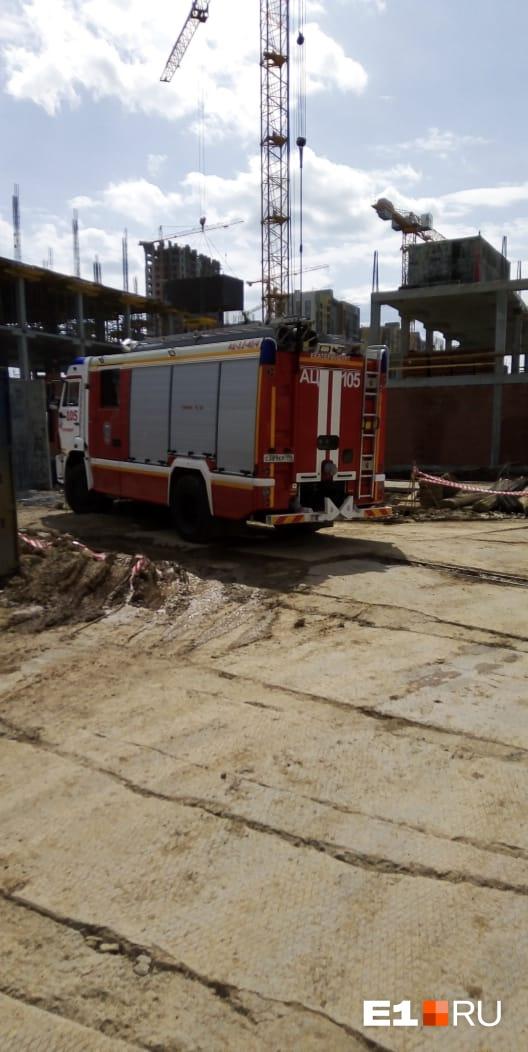 На месте будущей школы в Екатеринбурге нашли два снаряда: подробности ЧП
