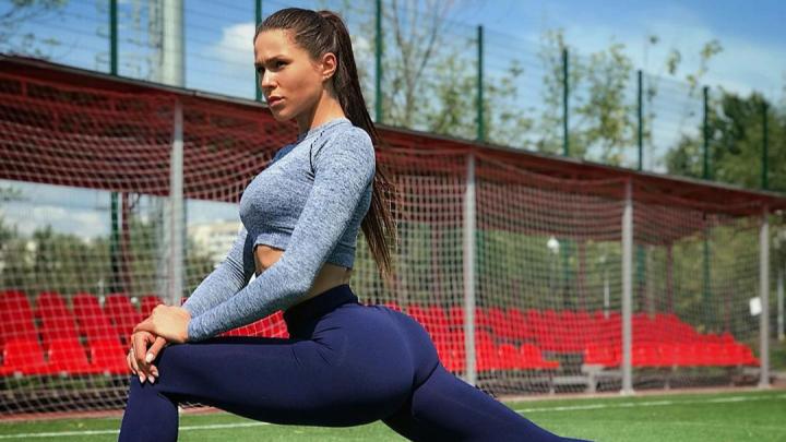 Чемпионка России из Ярославля бесплатно показала подписчикам тренировку на ягодицы