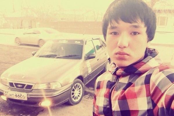 18-летний Закиржон Холмуродов подрабатывал в такси