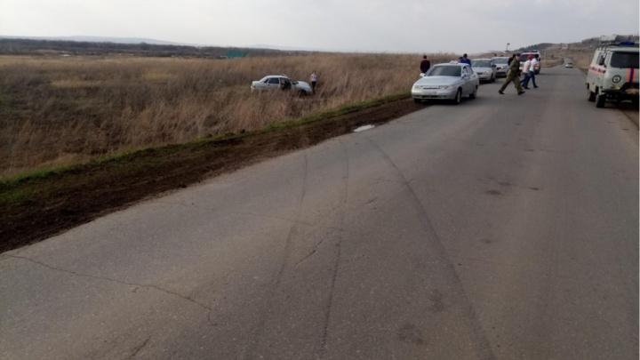 В Башкирии ВАЗ-2110 улетел в кювет и перевернулся: погиб водитель