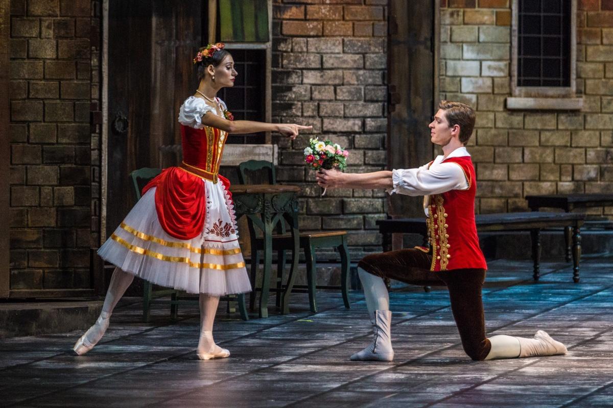 В конце третьего акта Франц и Сванильда поженятся