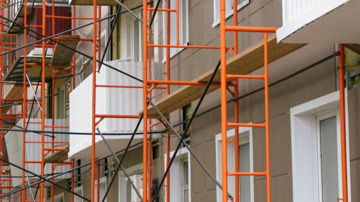 Обновят фасады и кровлю: в ФКР рассказали, сколько отремонтируют домов в ближайшие два года