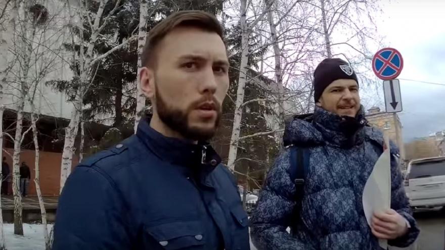 Омич пообещал разбить битой голову активисту «СтопХама»