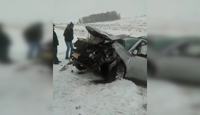 В лобовом ДТП на южноуральской трассе погибли двое