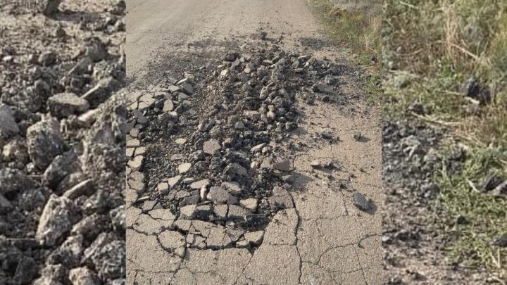 Под Волгоградом залатали дорогу, перекрытую отчаявшимися автомобилистами