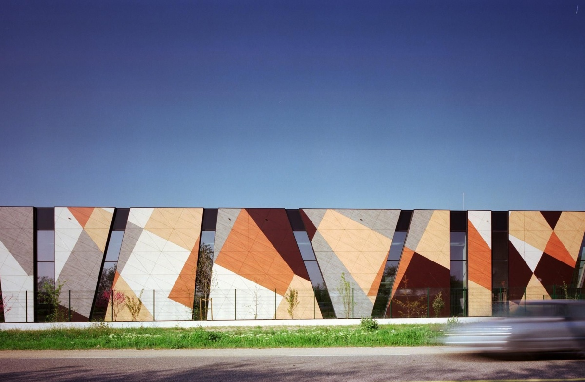 Один из примеров внешнего оформления коворкинг-центров