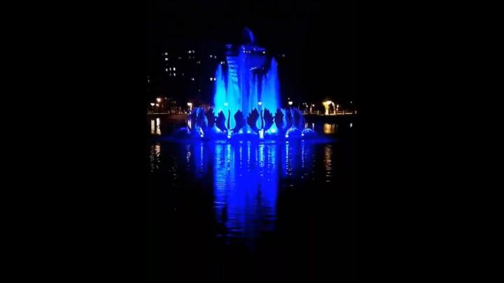 Сияет, как звезда: самарцы сняли на видео подсветку фонтана в парке Металлургов