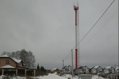 «Вместо грядок — вышки МТС»: в Косулино владелец участка сдал его под башню сотовой связи