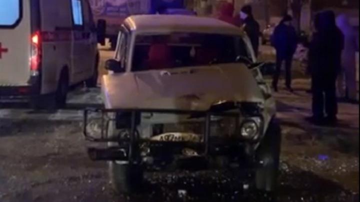 «Выпивал с девушкой»: появилось видео последствий столкновения «Нивы» и такси