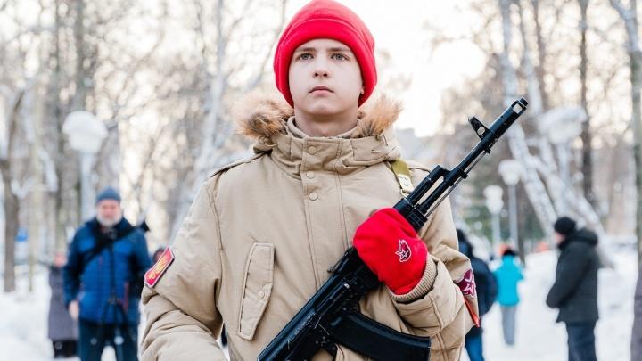 В Перми прошел митинг, посвященный 30-летию вывода советских войск из Афганистана. Фоторепортаж