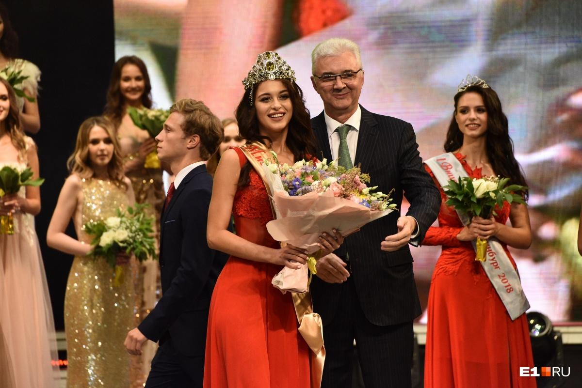 Александр Якоб первым поздравил Арину с победой