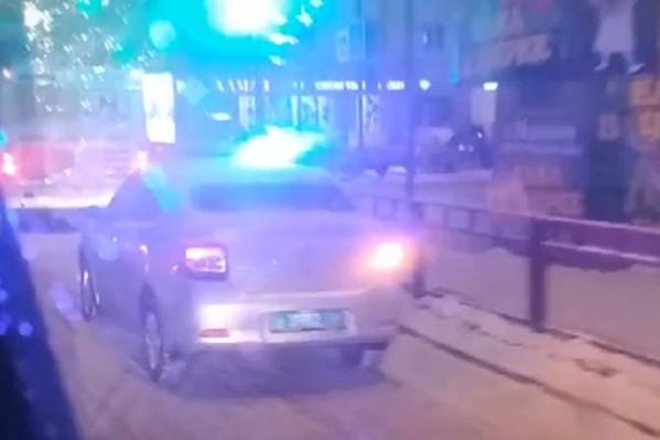 На места аварии работает полиция