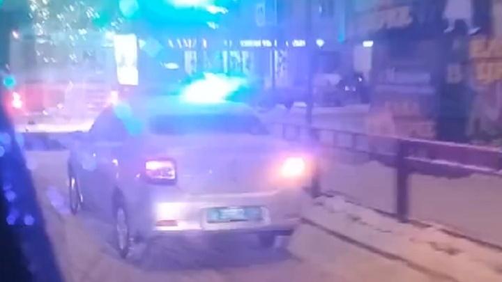 В Волгограде автобус протаранил «Ладу-Приору»: видео