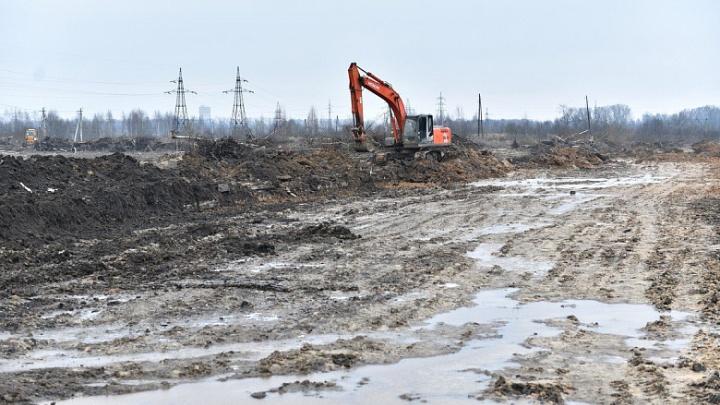 Власти пообещали сделать дорогу на Осташинском кладбище: работы уже идут