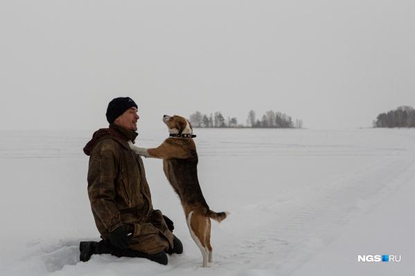 Александр Чугайнов этой зимой поселился на Обском море рядом со своим островом