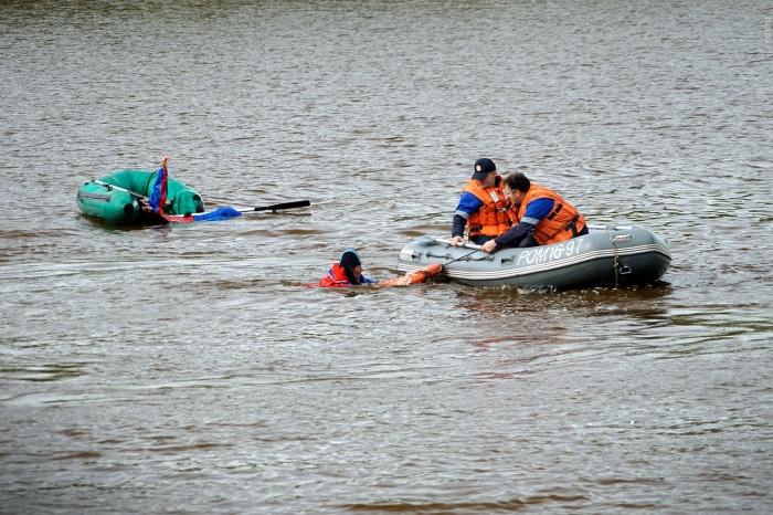 Спасатели вытащили тонущего мальчика на Юго-Западном жилмассиве